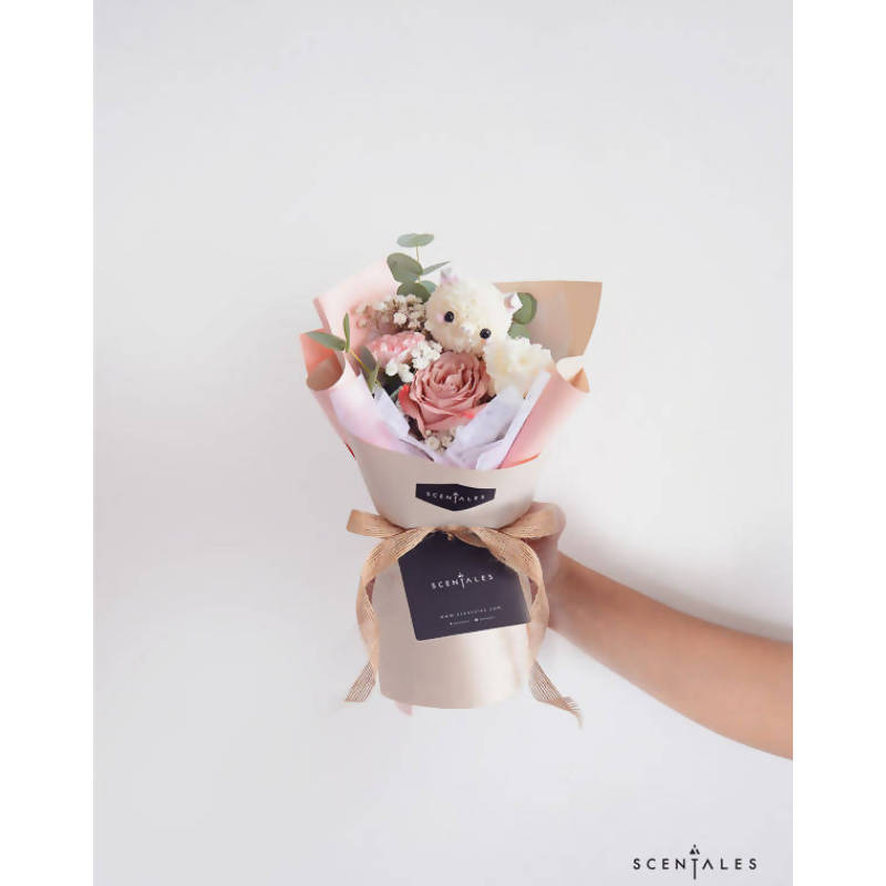 Oink Oink The Piggy Petite Flower Bouquet