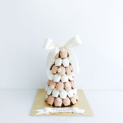Peach & White Madeleine Tower with Mini Daisy