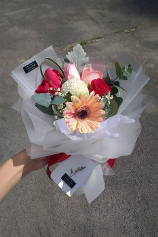 Desiderare - Gerbera Flower Bouquet (Johor Bahru Delivery only)