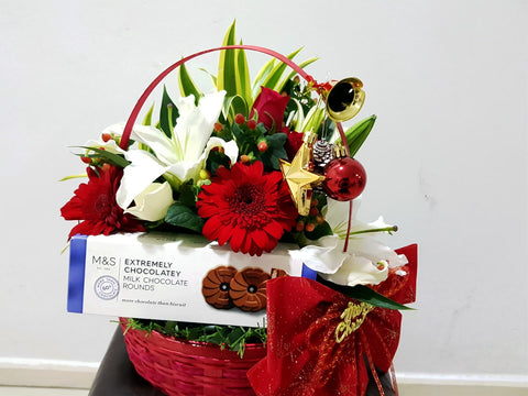 Christmas Basket (Chocolates & Flowers)