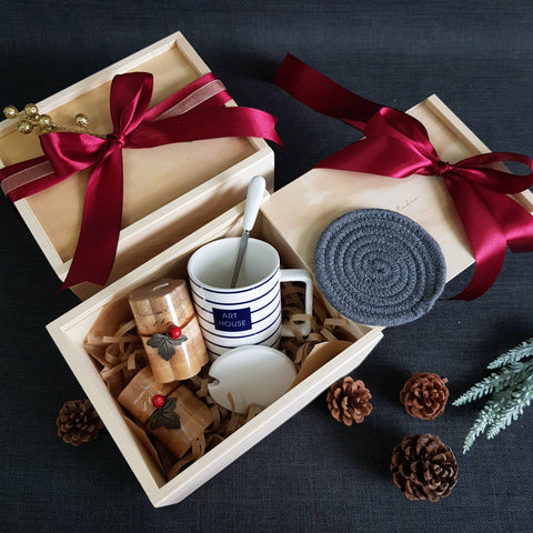 Christmas 2018 Gift Box - XM02 WHITE (Klang Valley Delivery)