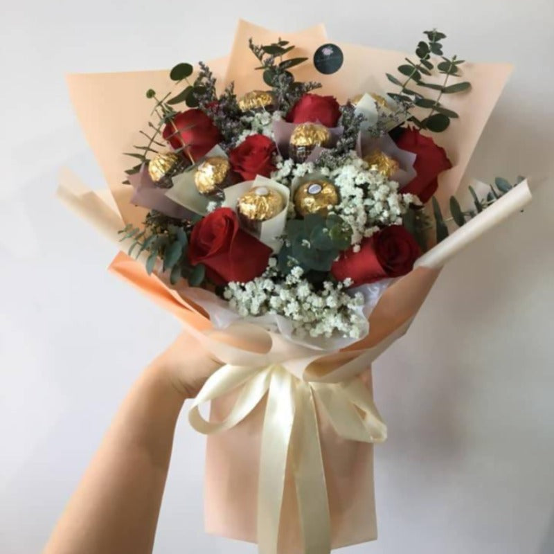 Red Rose with Ferrero Chocolate Bouquet (Big Size) (Kota Kinabalu Delivery Only)