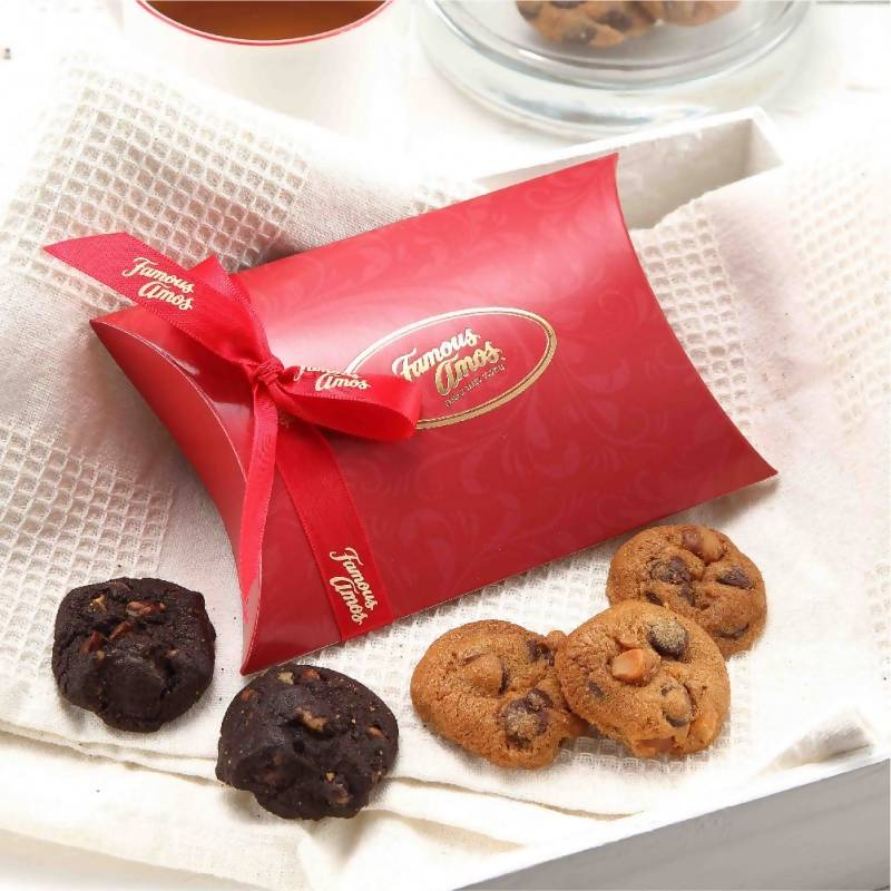 Famous Amos Novelty Gift Box (25g x 30 packets)