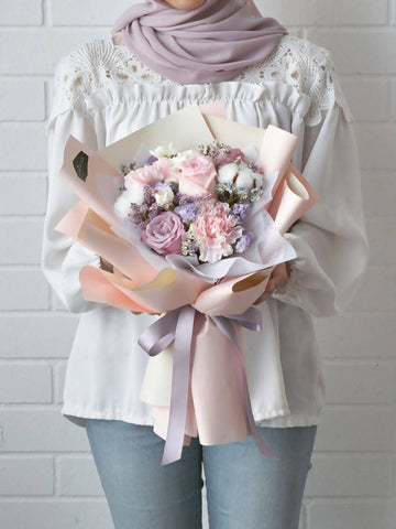 Valentine's Special: Fluffy Cloud Flower Bouquet (Regular)