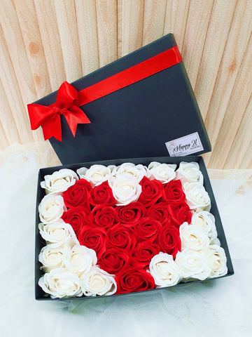 (Self Pick-up Only at Sg. Besi, KL on 14 Feb) Soap Rose Love Gift Box (Valentine's Day 2020)
