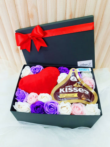 (Self Pick-up Only at Sg. Besi, KL on 14 Feb) Mix Soap Rose Mini Love Cushion With Hershey's Kisses Gift Box (Valentine's Day 2020)