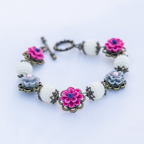 Vintage Floral Bracelet handmade by Shirleen Jeweliciouss