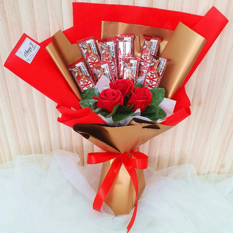 (Self Pick-up Only at Sg. Besi, KL on 14 Feb) Soap Roses Kitkat Chocolate Bouquet (Valentine's Day 2020)