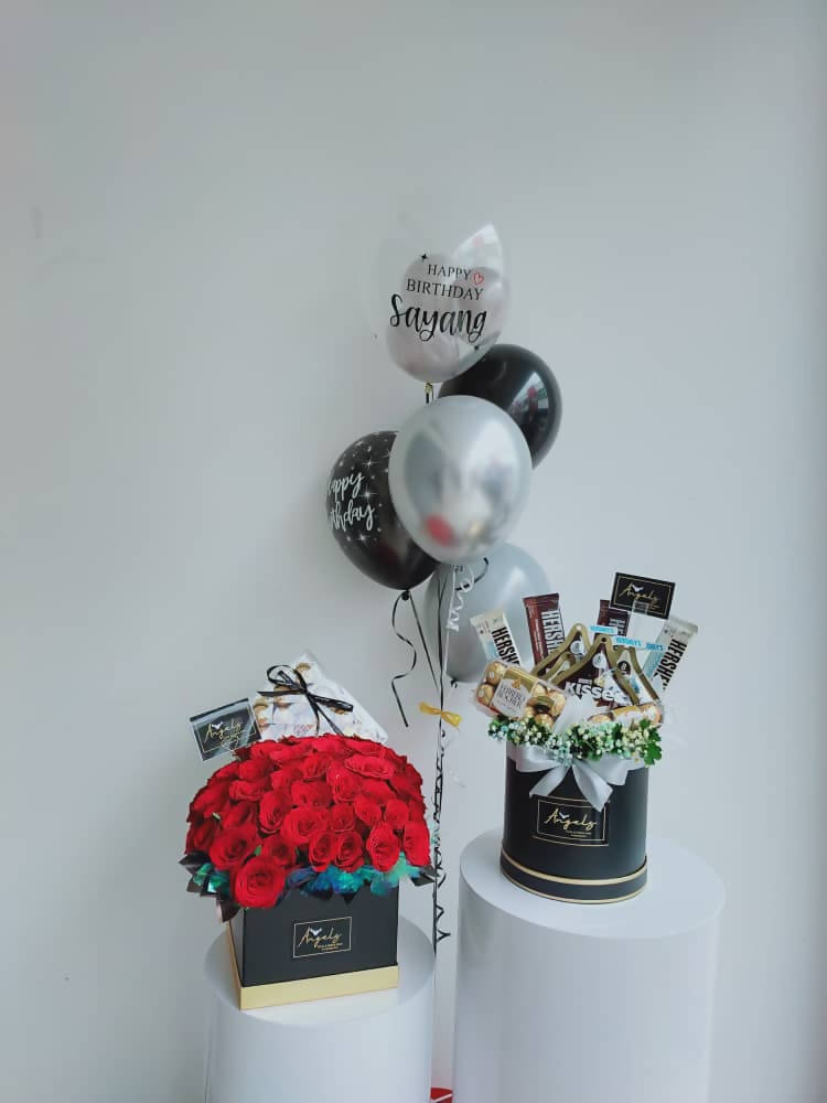 50 Large Box Roses with Mix Chocolate & Helium Balloons (Negeri Sembilan Delivery only)