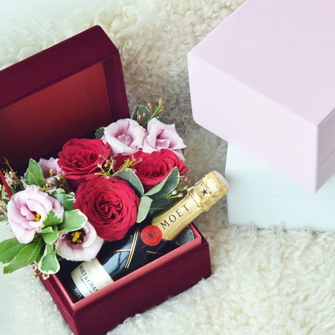Moet Champagne Christmas Blooms
