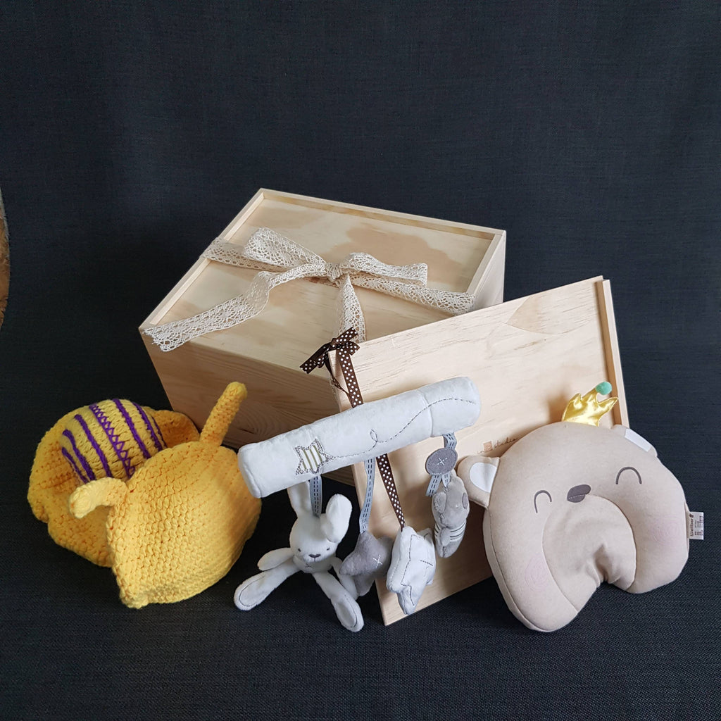 New Born Baby Gift Box - BXL04 (Nationwide Delivery)