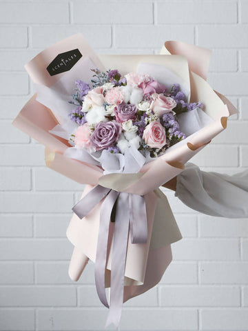 Valentine's Special: Fluffy Cloud Flower Bouquet (Large)