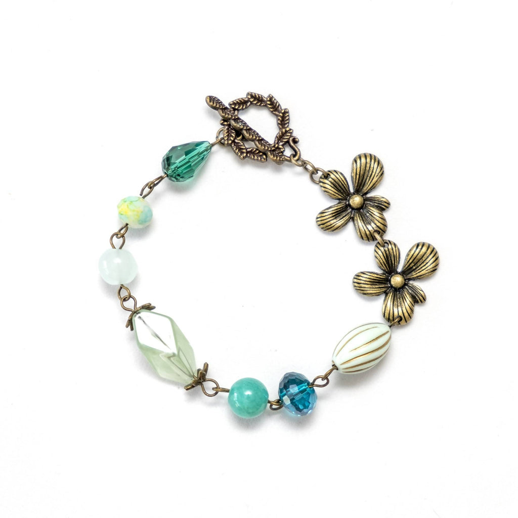 Green Flower Vintage Bracelet and Earring Set