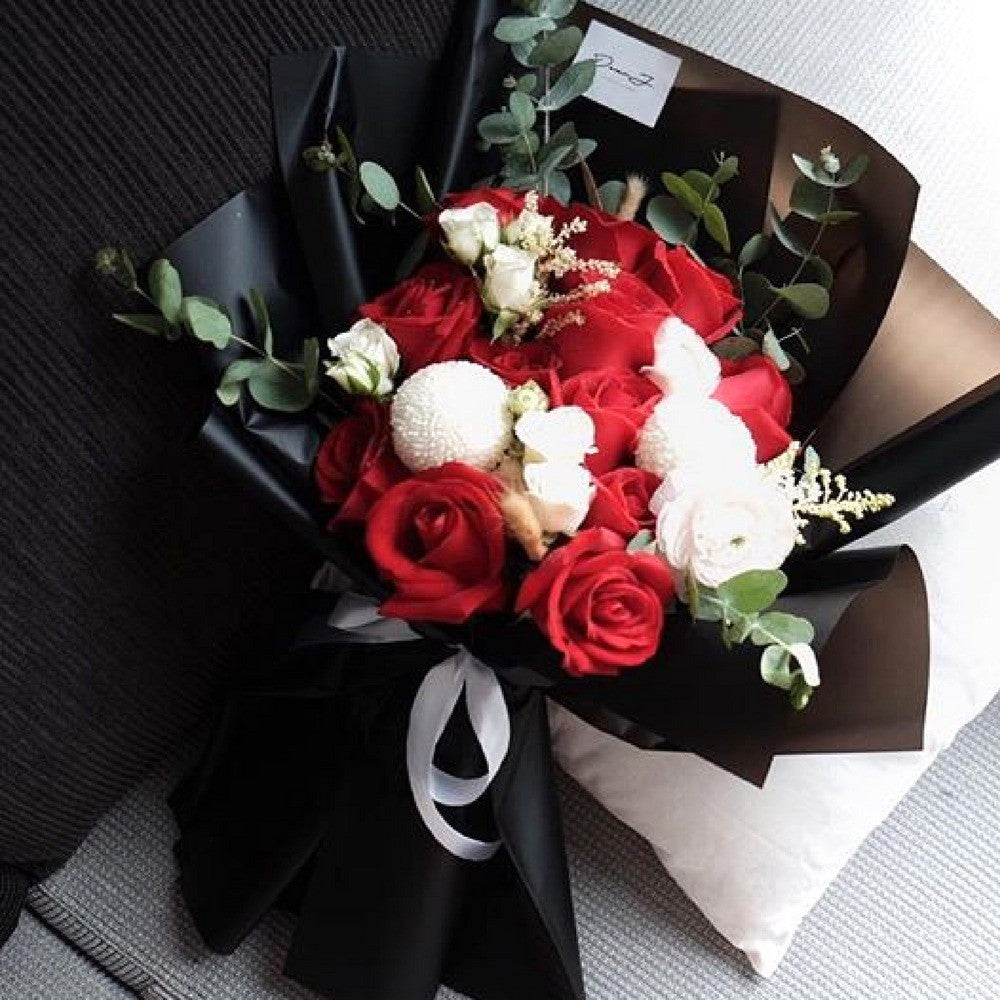 Red Roses Flower Bouquet Giftr Malaysias Leading Online Gift Shop