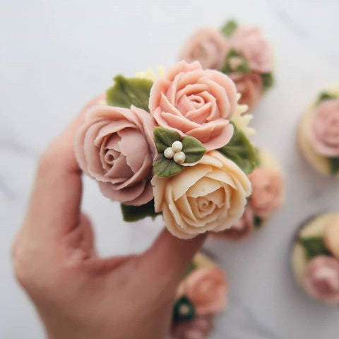 Dusty Pink & Champagne Flowers Buttercream Cupcakes (12 Cupcakes)