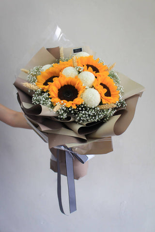 Especial Para Usted Orange - Sunflower Flower Bouquet (Johor Bahru Delivery only)