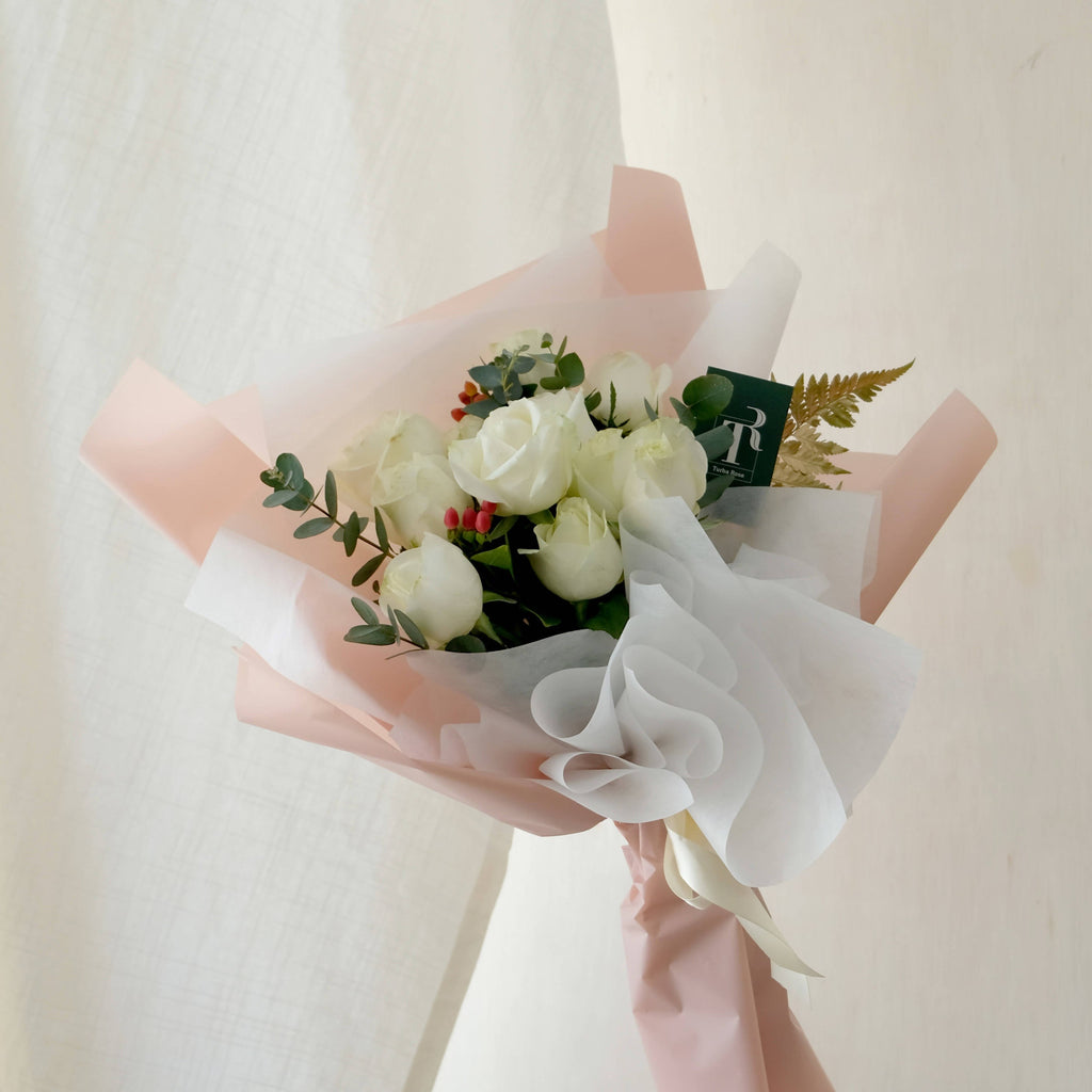 White Roses Bouquet (Melaka Delivery Only)