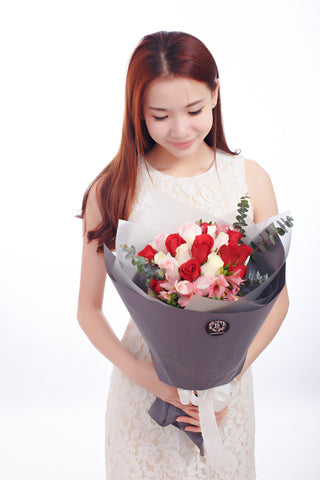 Falling in Love (99 roses)(Proposal Bouquet)