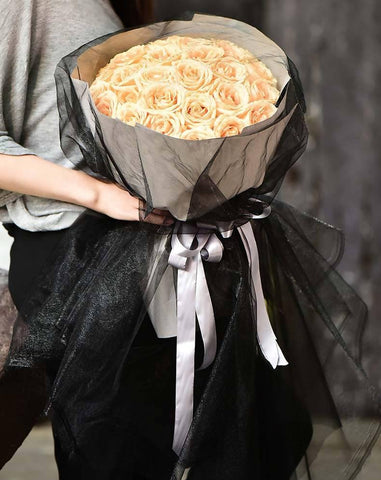 Black Louis Champagne Rose Bouquet