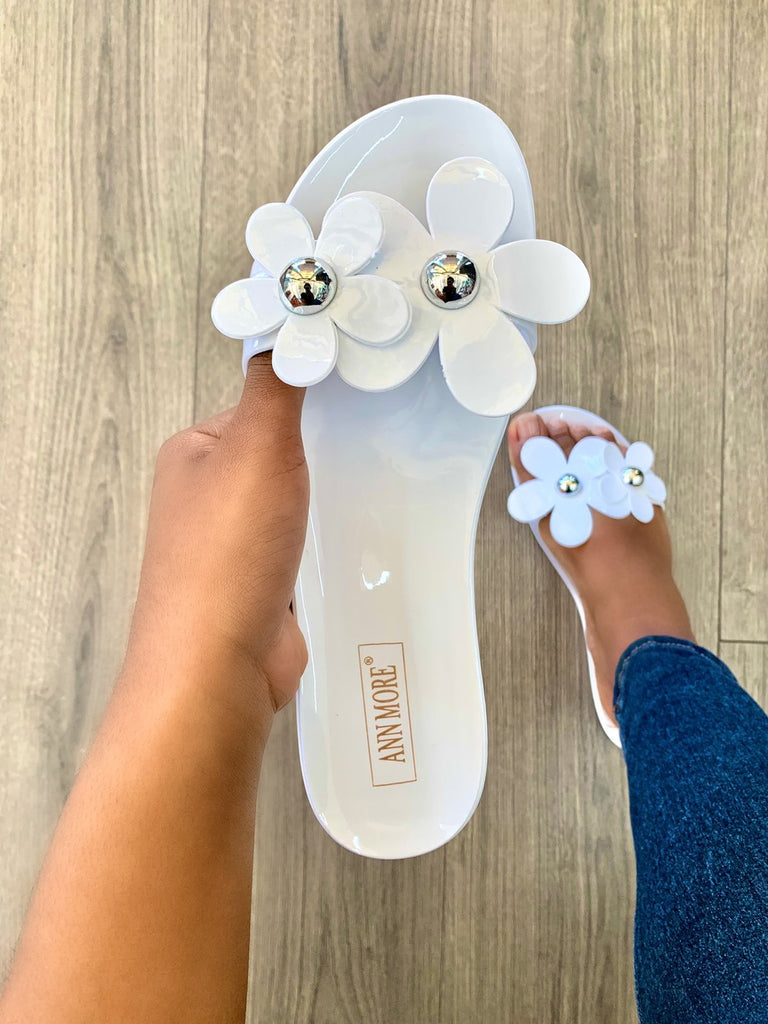 Flower Power Jelly Sandals | White
