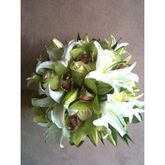 white Lilly Burst Bouquet