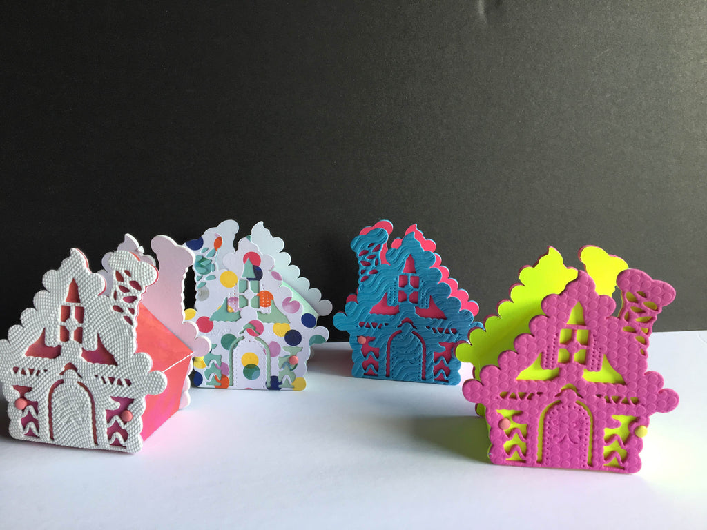 10 Gingerbread favor boxes