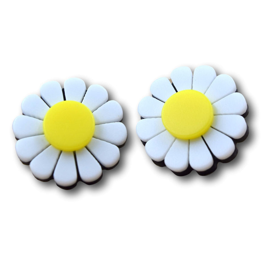 Mod Daisy Yellow Center Studs