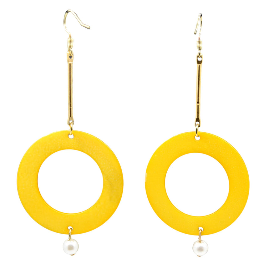 Pearly Shell Mustard Vintage Circle Minimalist Earrings
