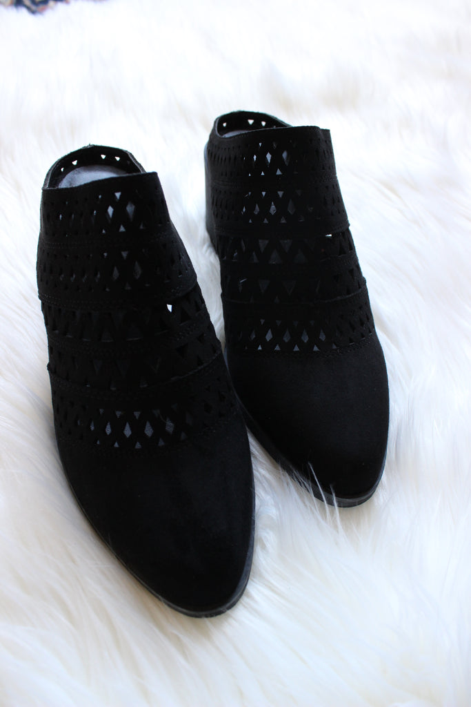 Carrie Mules - Black