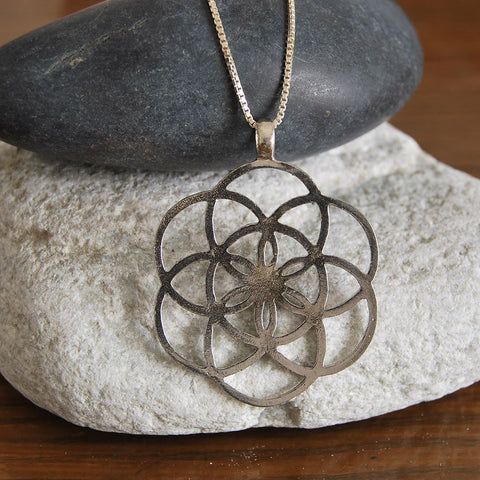 Kabbala Flower of Life Pendant, Judaica Silver Pendant, Seed of Life Necklace, Kabbalah Amulate Pendant, Jewish Statement Necklace, Celesyial Power Pendant, Judaism Prayer Necklace, The Wisdom Of Kabbalah Pendant, Meditation Inspirational Necklace