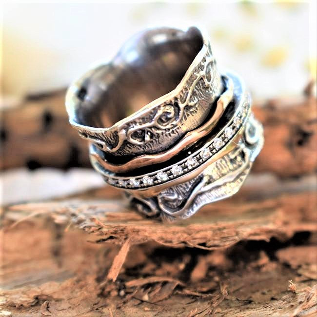 Rose Gold Ring, Raw Gemstone Spinner Band - Maayan