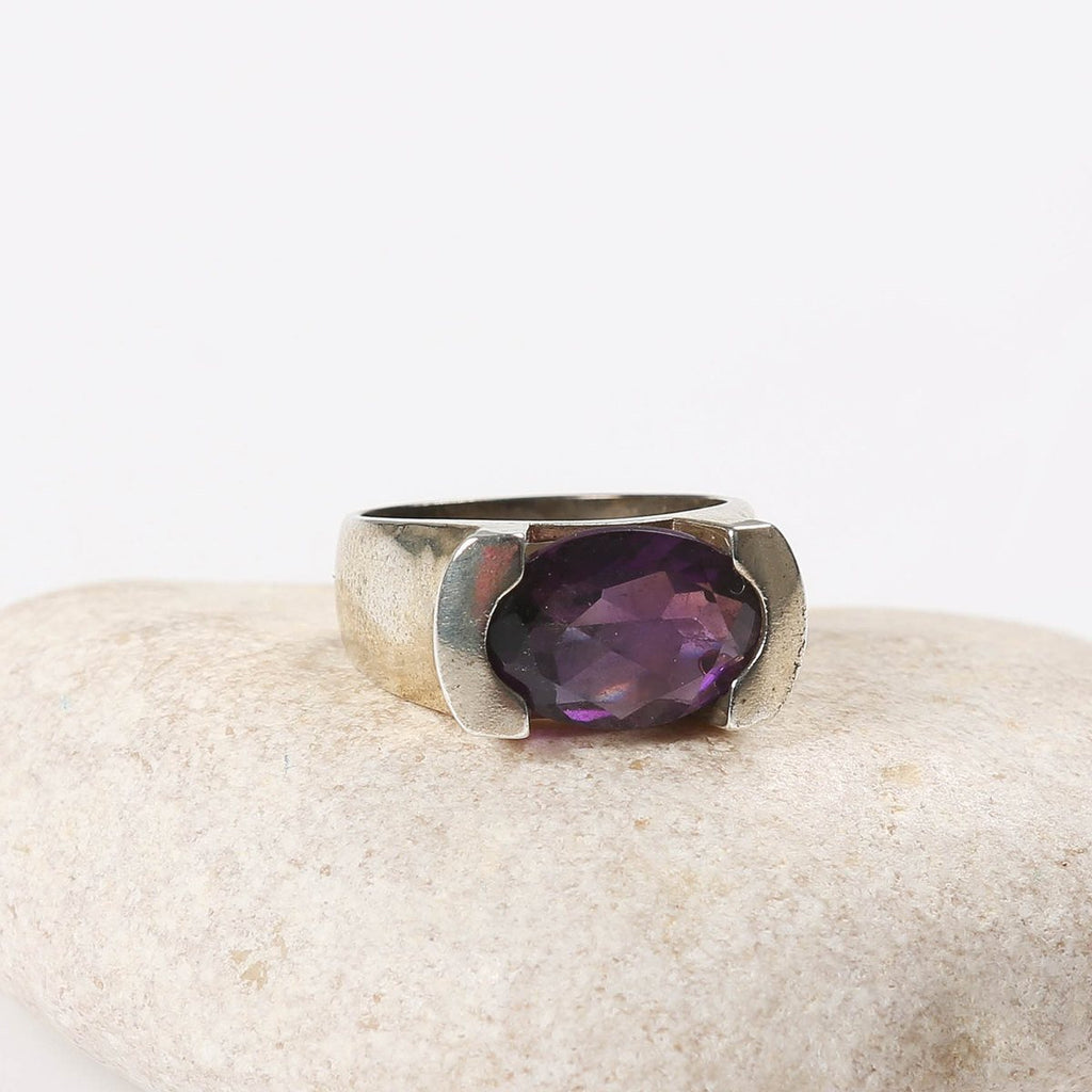 Amethyst Cameo Eye Ring - Adon