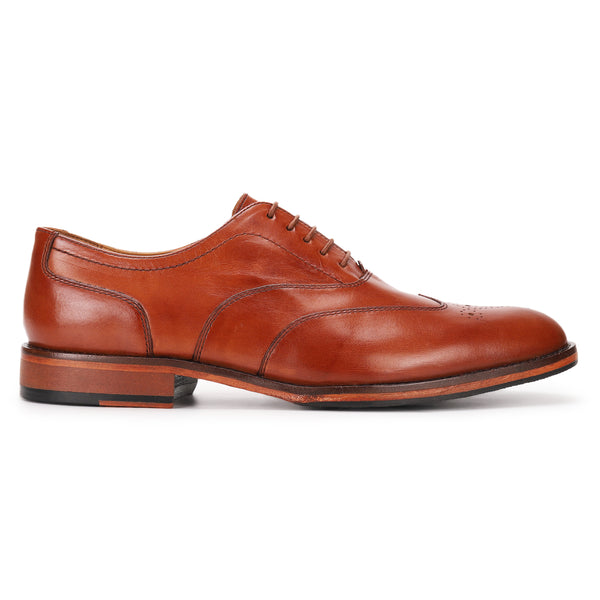 Benett: Tan Wingtip Oxford