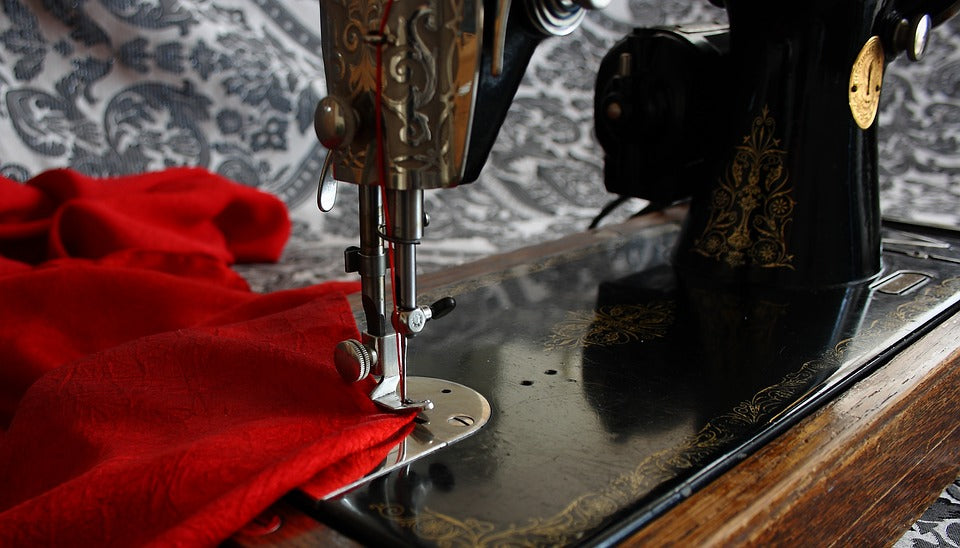 Module 1:  Introduction to Sewing Classes 6-8pm, Friday 26h Nov, 2021. *Must be booked with Modules 2-8.