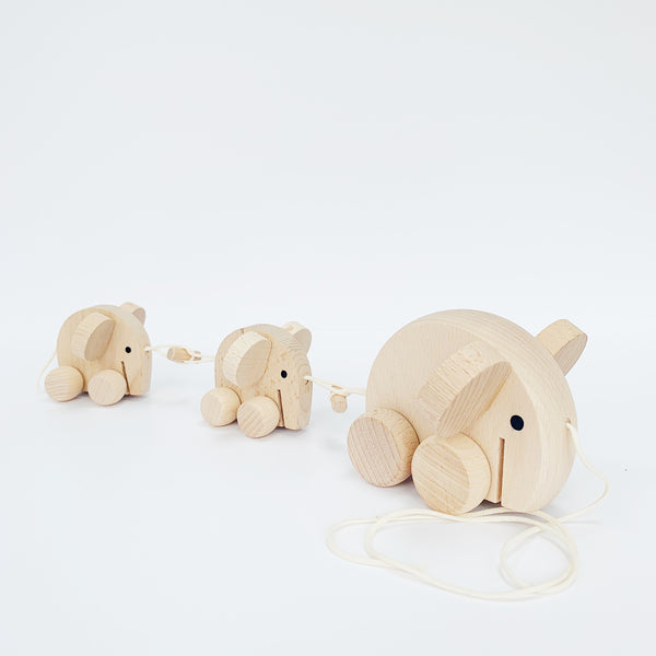 MABEL - WOODEN PULL ALONG ELEPHANTS