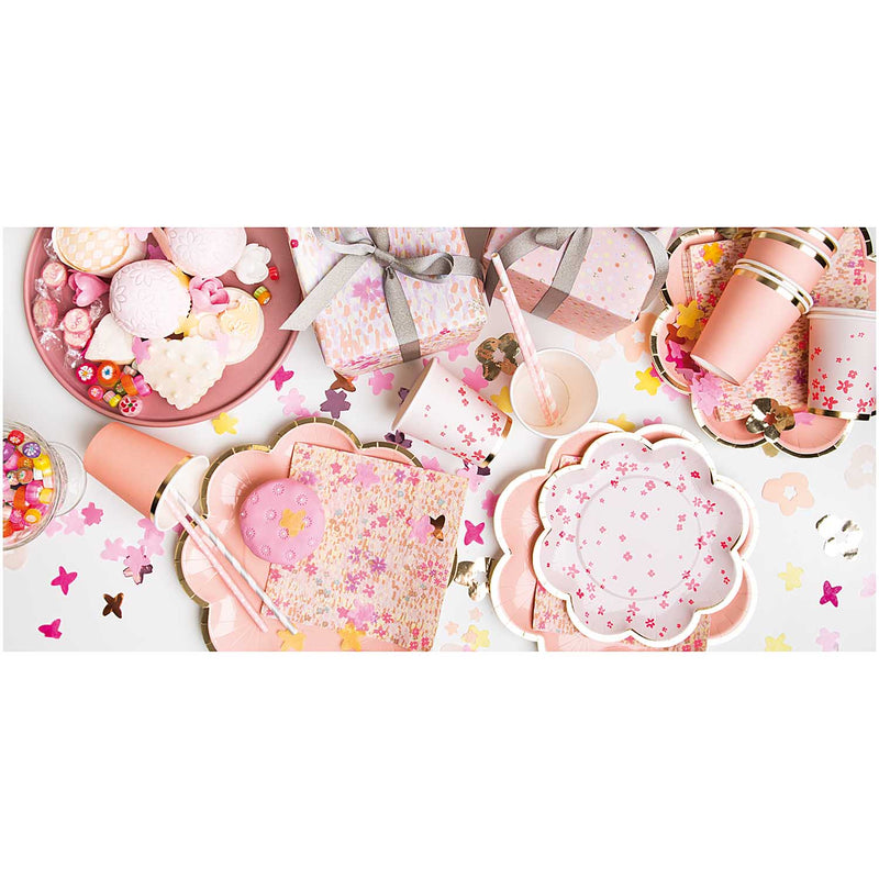 Blush pink Flower-Shaped Paper party Plates Rico Design