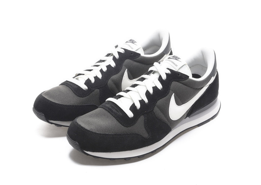 Nike Internationalist in Deep Pewter
