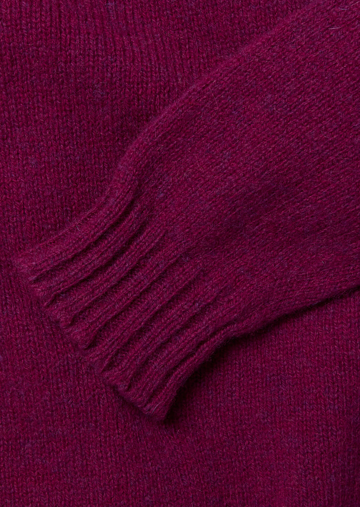 Seamless Shetland Crew in Loganberry