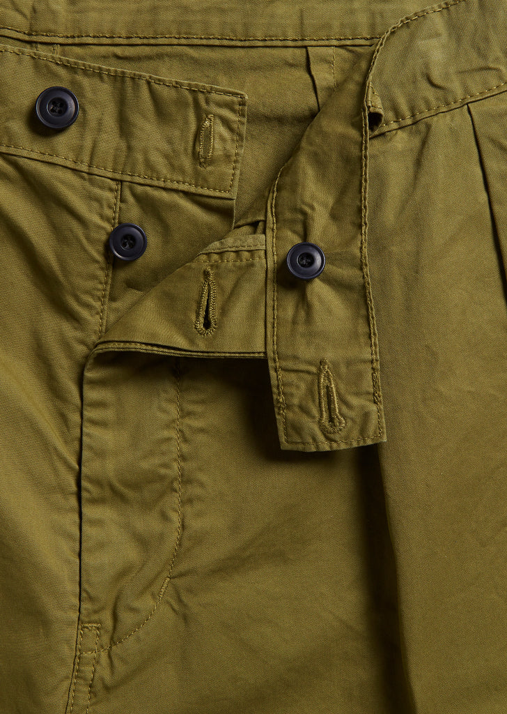 Pleated Trouser in Olive