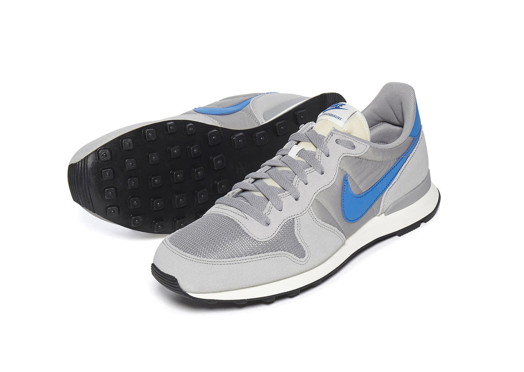 Nike Internationalist in Silver
