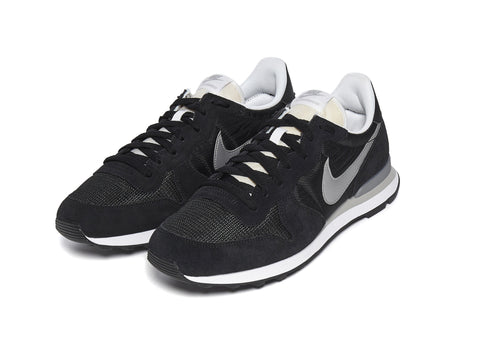 Nike Internationalist in Black