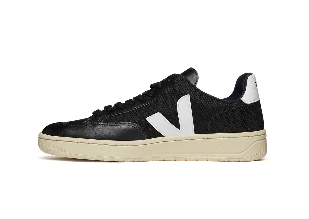 New - Veja V-12 in Black