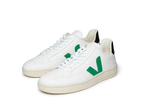 Veja V-12 in Extra White Emerald Black
