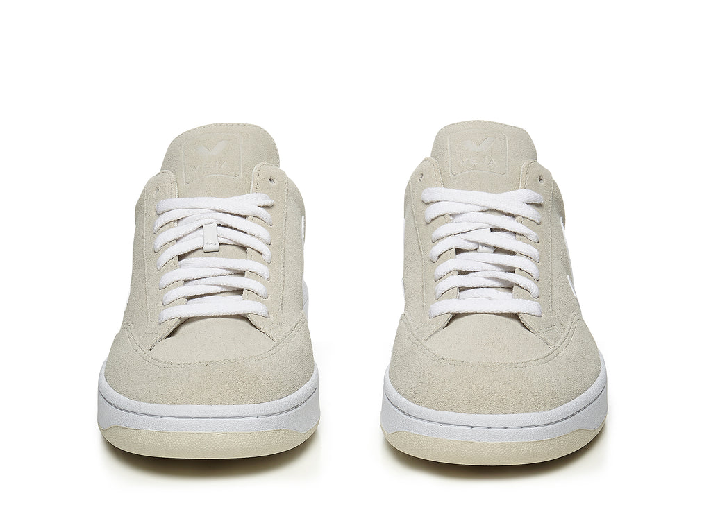 Veja V-12 in Natural White