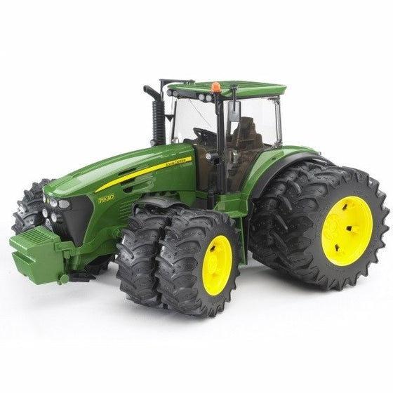 John Deere 7930 w Twin Tyres - Little Whale