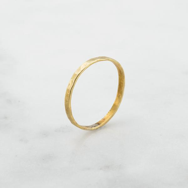 THIN DENTED RING