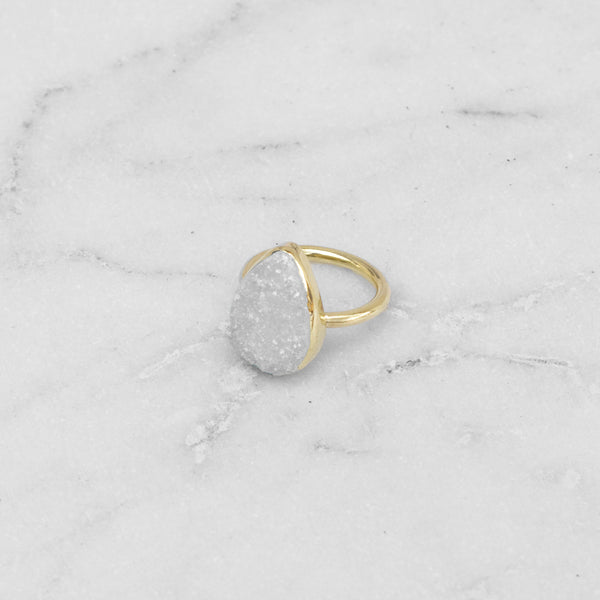 RAW STONE RING BRASS TEARDROP WHITE