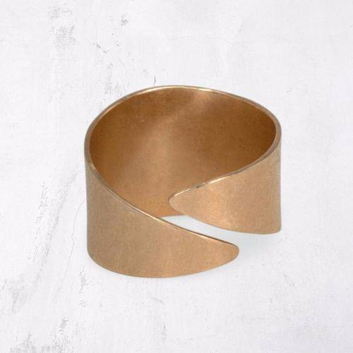 ESCARPMENT Open Wrap Ring
