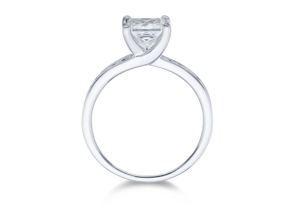 18ct White Gold Solitaire Princess cut 4 claw