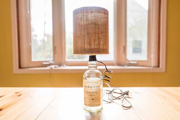 How to Make a Scotch Bottle Lamp aka 'The Perfect Gift for Dad - Read about DIY Bottle Lamp kits and projects at https://ilikethatlamp.com
